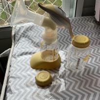 kit bomba medela + 5 potes de vidro para armazenar leite -  - Medela