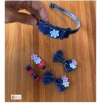 kit laços jeans. uma tiara, par de laços (no elástico de cabelo) e dois hairclip -  - Sem marca