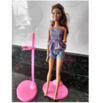 Kit com 2 suportes para Boneca Barbie -  - Barbie
