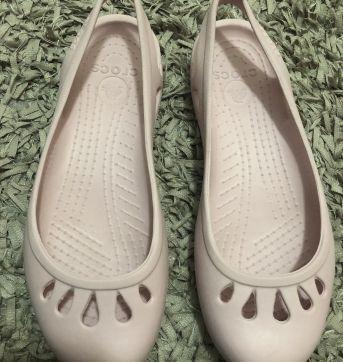 Sandália - CROCS Modelo tradicional - Rosa Claro - CROCS - 36 - Crocs