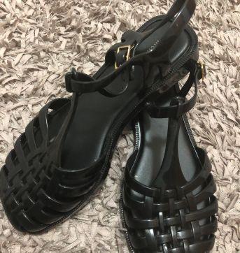 Sandália - Modelo Aranha frante quadrada - Preta - Melissa - 33 - Melissa