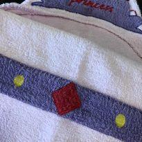 Toalha Banho - Infantil - Atoalhada com capuz e bolsos - Princess - Etna -  - etna