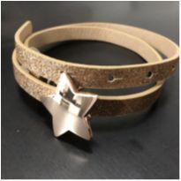 Acessorios - Cinto dourado com fivela metal estrela - Zara -  - Zara