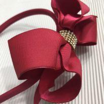 Linha Festa - Tiara - Laço triplo cetim com pedraria - pink -  - Desconhecida