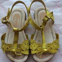 Sandalinha amarela Pampili tam 20 - 20 - Pampili