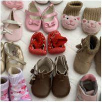 Lote de sapatinhos/sapatilhas para bebe