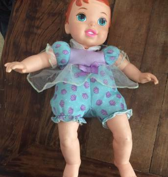 Boneca Bebê - Princesas Disney - Ariel com Pet - Mimo - Sem faixa etaria - Mimo