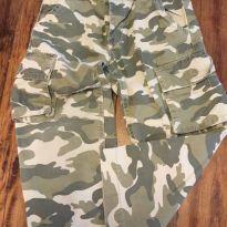 Calça camuflada Old Navy