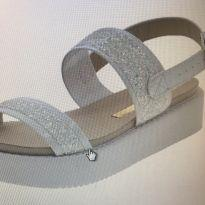 Sandália molekinha