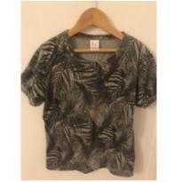 Camiseta estampa com folhas - 6 anos - Só Vestir