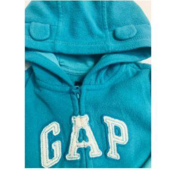 Conjunto em fleece BabyGAP - 9 a 12 meses - GAP