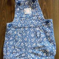 Jardineira Carter`s azul com flores - 9 meses - Carter`s