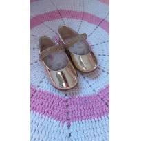Sapato Dourado Molekinha - 20 - Molekinha