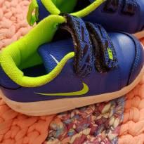 Tênis Azul e Verde - 20 - Nike