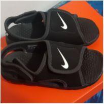 Sandália Infantil Nike Sunray Adjust 4 - Cor: Preto+Branco - 25 - Nike