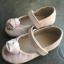 Sapato couro flor - 22 - Não informada