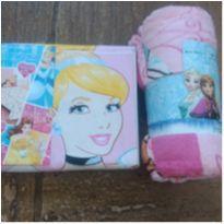 Jogo de lençol e manta princesas Disney - 6 anos - Disney