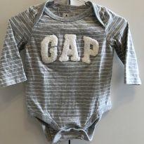 Body Baby Gap Cinza Listrado - 3 a 6 Meses - 3 a 6 meses - Baby Gap e Gap Kids