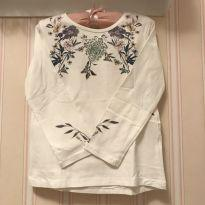 Camiseta Manga Longa off White com estampa Floral - ZARA - 5 anos - Zara