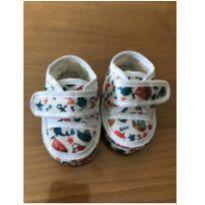 Sapatinho colorido em tecido com fechamento velcro para bebê, tamanho 14 - 14 - Não informada