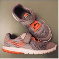 Nike levinho com Velcro - 28 - Nike