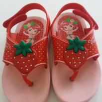 Sandália rosa com vermelho moranguinho  tam 22 - 22 - Grendene
