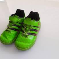Chuteira Adidas verde - 23 - Adidas