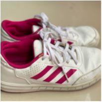 Tênis Couro Adidas - 34 - Adidas