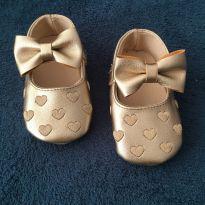 Sapatinho Baby Dourado Importado - 19 - Importada