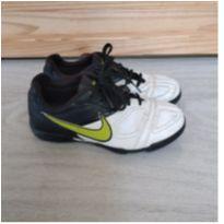 chuteira nike - 33 - Nike