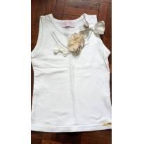 Blusinha de Cotton Lycra Bordada e com brochê. - 6 anos - Pituchinhus