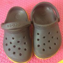 Crocs Cinza e amarelo - 22 - Crocs