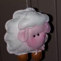 Móbile de ovelhinhas. -  - Não informada