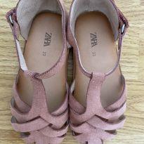 Sandalia com tiras e fechamento em velcro, Marca Zara - 23 - Zara