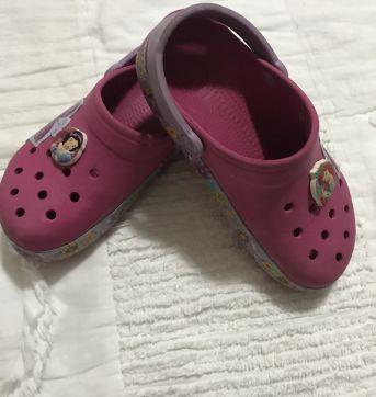 Crocs Original C 12/13 Equivale 30 / 31 - Detalhes na lateral e 2 pins - 30 - Crocs