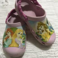 Crocs Original Princesas Disney  C 12/13 Equivale 30 / 31 - 30 - Crocs