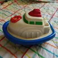 Barquinho Flutuante brinquedo de banho - Sem faixa etaria - Não informada