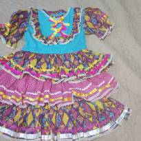 Vestido de festa junina muito chique - 4 anos - Não informada