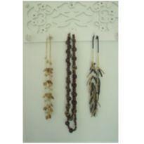 3 colares de madeira da griffe Amazonia -  - Não informada