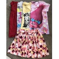 4 blusas + saia de corações - 6 anos - Não informada