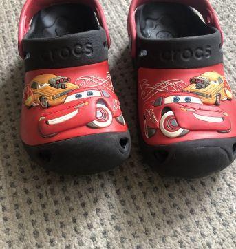 CROCS CARROS - 28 - Crocs