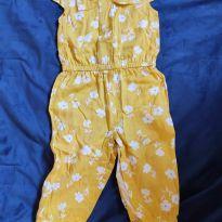 Macacão lindo com tecido levinho e super confortável - 9 a 12 meses - Carter`s